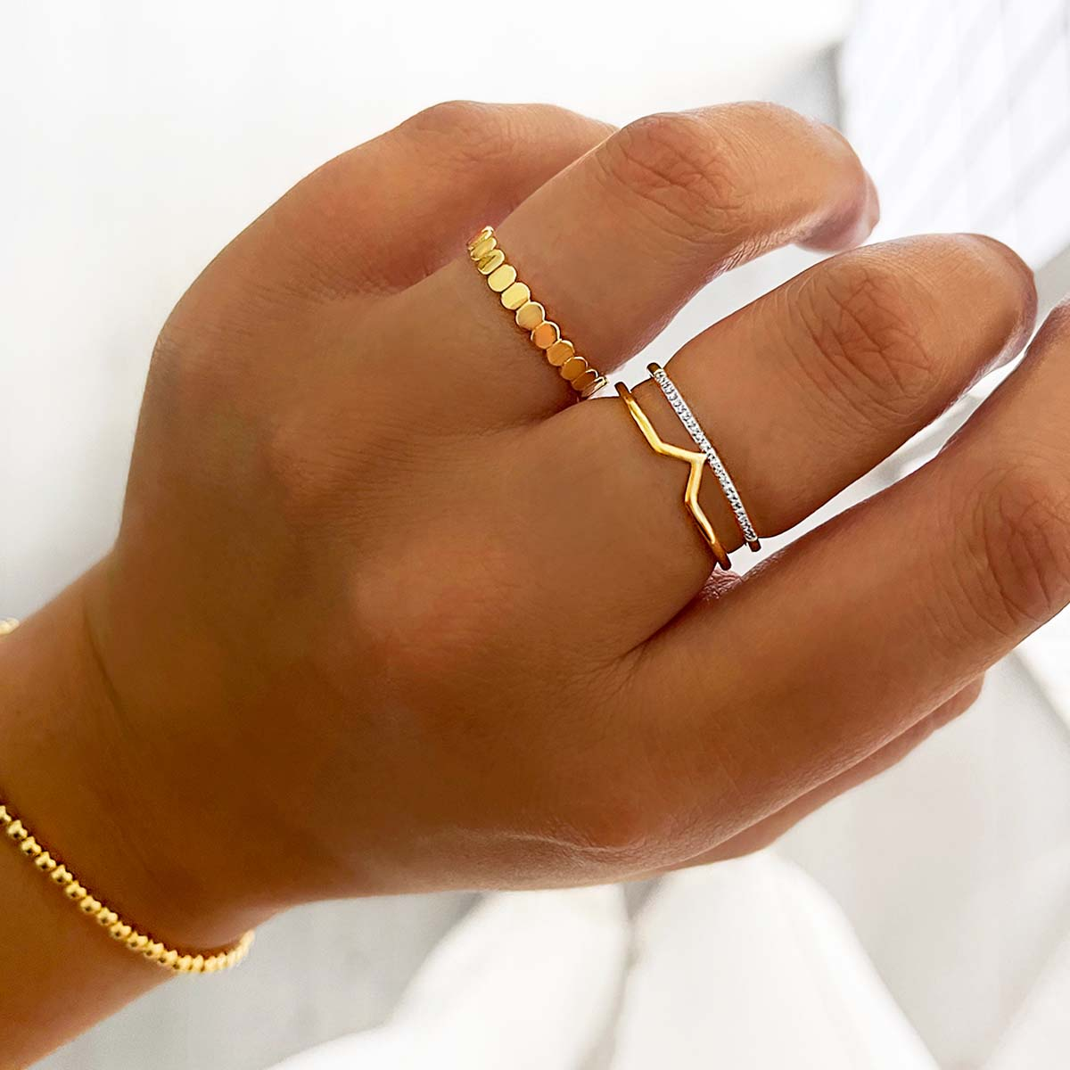 Soleil Collection Diamond and V Shaped Yellow Gold Ring   9K Yellow Gold